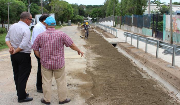 Obras varias en barrio Piedras Blancas