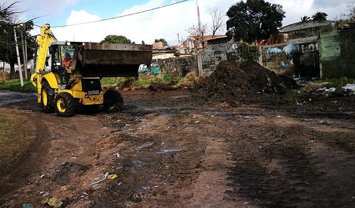 Mantenimiento vial en Pasaje Pilar barrio Chacarita de los Padres.