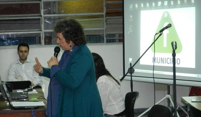 Disertación de COMMAC en el Municipio F
