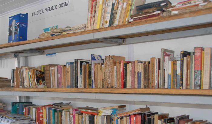 """Biblioteca """"Gerardo Cuesta"""" (Instalaciones de CristalPet)"""