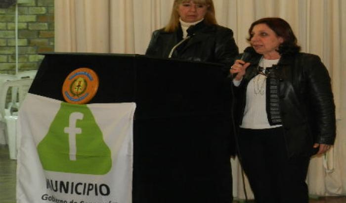 Intendenta Ana Olivera haciendo uso de la palabra