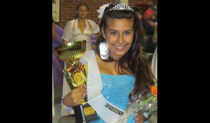 Reina de Escuela de Samba (Yesica Pereira, 15 años, Flor de Maroñas)