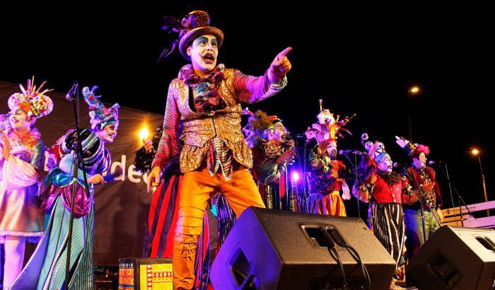 Lanzamiento de Carnaval en el F